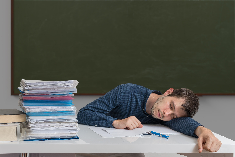 Neue Studie zum Arbeitsaufwand von Lehrkräften