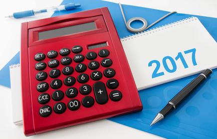 Taschenrechner und Kalender: Bild: PhotoSG - Fotolia