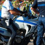 Polizist auf einem Motorrad