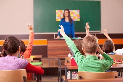 Lehrer bestraft seinen Schüler